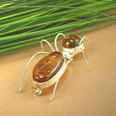 Giant Amber Ant Pin