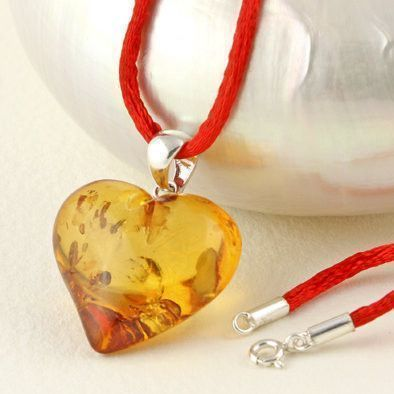 Glittering Heart Amber Necklace