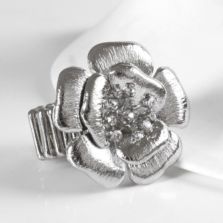Silver Flower with Rhinestones Fashion Ring