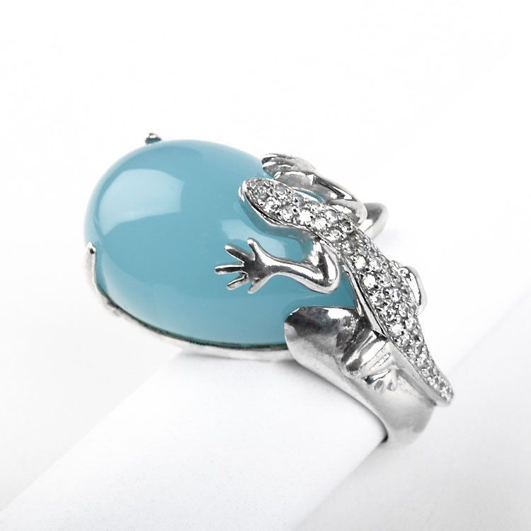 Silver Lizard on Chalcedony Ring