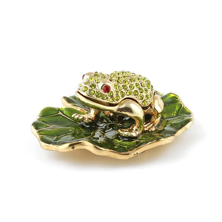 Frog Resting on Lily Pad Trinket Box