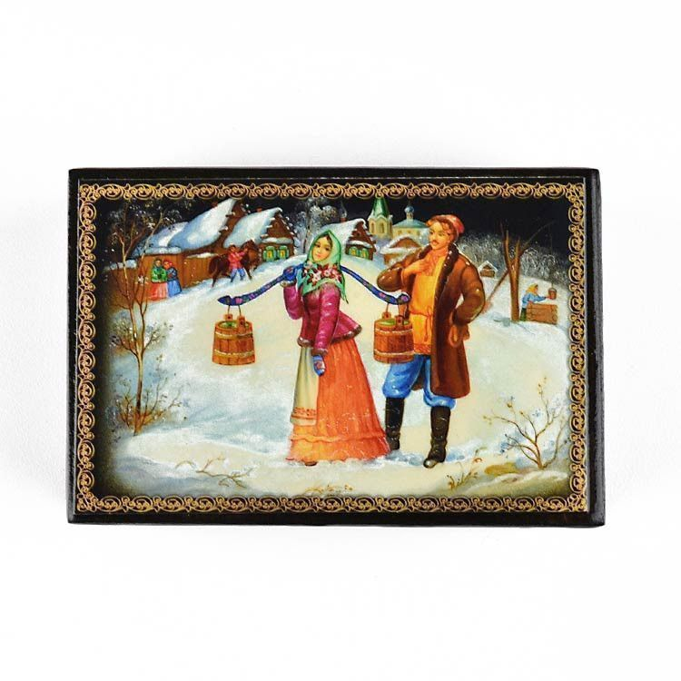 Winter Couple Souvenir Lacquer Box