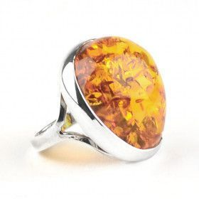 Beautiful Baltic Amber Ring