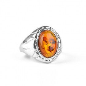 Classic Amber Oval in Silver Ring