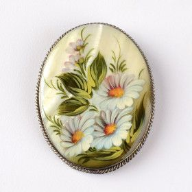 Daisies Mother of Pearl Brooch