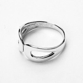 Elegant and Simple Silver Ring