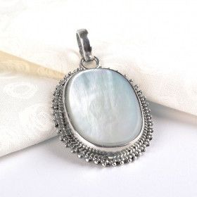 Mother of Pearl in Silver Pendant