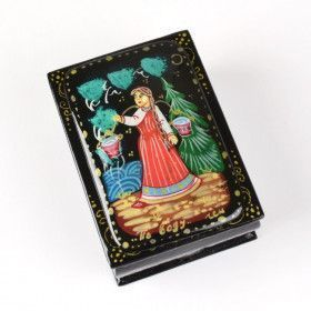 Girl with Yoke Lacquer Box