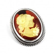 Classic Cameo Amber Pendant Brooch