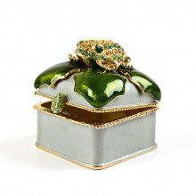 Frog On Hollyberry Leaf Trinket Box